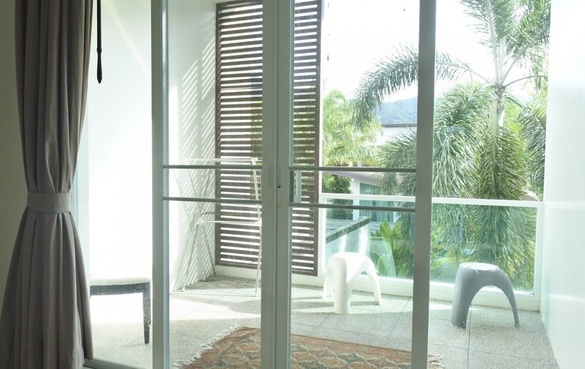 This 3 bedroom / 3 bathroom Apartment for sale is located in Bangtao on Phuket