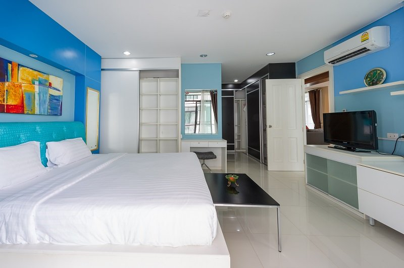 This 4 bedroom / 3 bathroom Apartment for sale is located in Kamala on Phuket