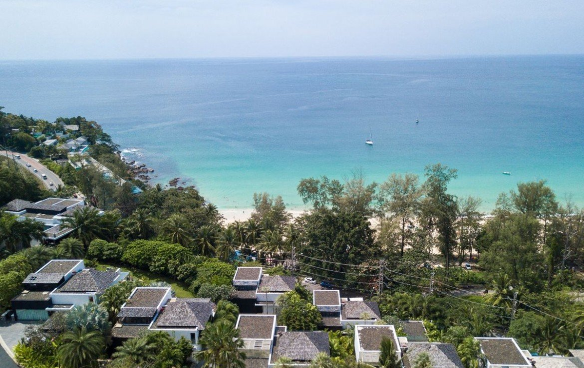 4 bedroom / 4 bathroom Villa in Surin Beach is available for sale, or re-sale.