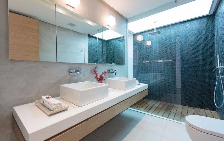 This 5 bedroom / 5 bathroom Villa for sale is located in Kamala on Phuket