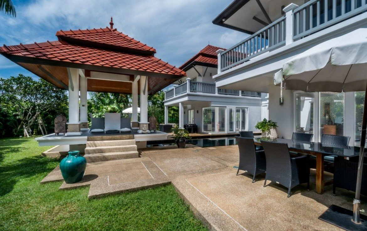 This 4 bedroom / 4 bathroom Villa for sale is located in Laguna on Phuket