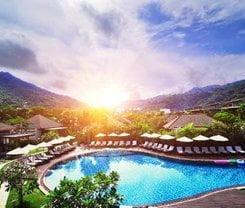 Karon Sea Sands Resort. Location at 208/2/ Karon Beach Road
