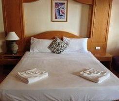 Ruen Thai. Location at 78/ 11-12 Soi Permpongpattana (soi dr wattana) thawewong Rd