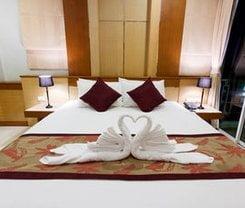 The Bluewater Hotel. Location at 140/38-39 Nanai Road