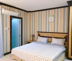 Sea U Honey. Location at 74/31 Nanai Road, Soi Banzaan, Phuket