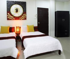 Beehive Magenta Patong Hostel. Location at 149/5 Nanai Rd.