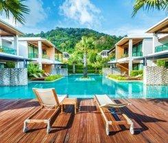 Wyndham Sea Pearl Resort, Phuket. Location at 12 Prabaramee Road, Patong Beach Kathu